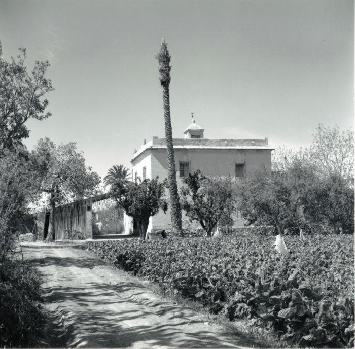 Torre de los Castaños. Fotografía de Benjamín Corbalán. Hacia 1960